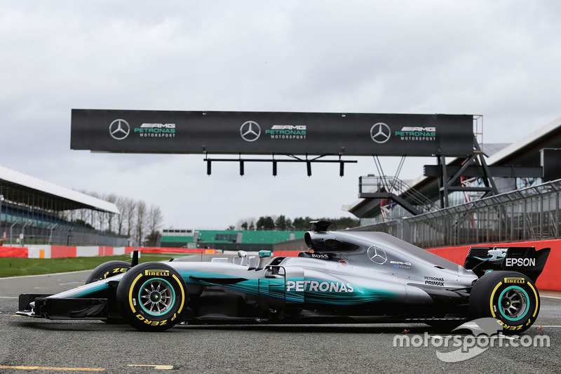 Mercedes AMG F1 W08 in volle glorie