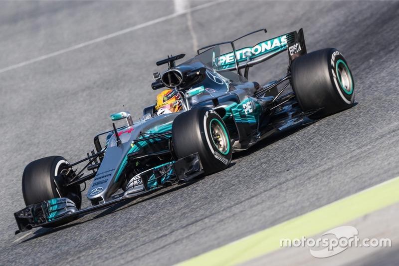4º. Lewis Hamilton, Mercedes AMG F1 W08, superblandos, 1:20.983 (201 vueltas)