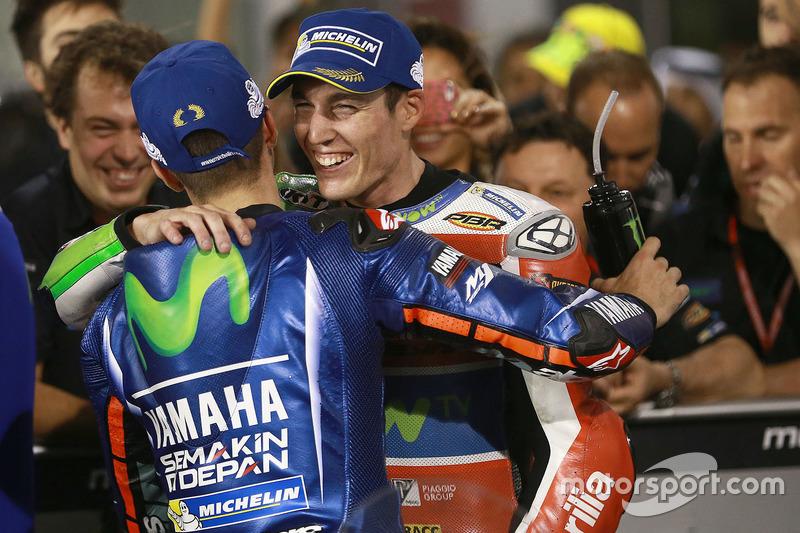 Maverick Viñales, Yamaha Factory Racing; Aleix Espargaro, Aprilia Racing Team Gresini