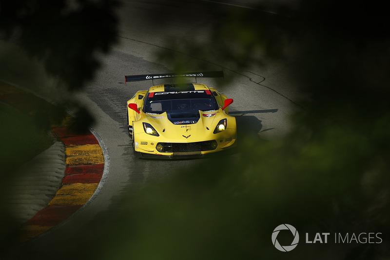 #4 Corvette Racing Chevrolet Corvette C7.R: Олівер Гавін, Томмі Мілнер