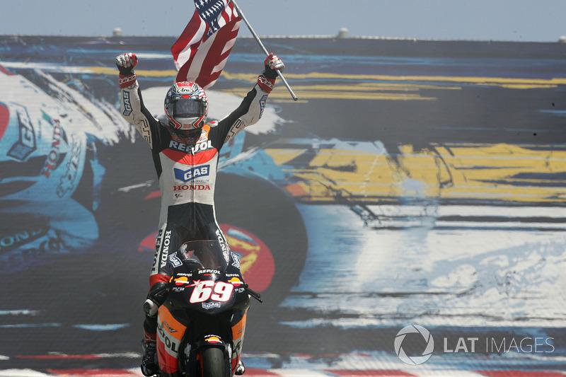 Нікі Хейден, Repsol Honda Team святкує здобутий титул