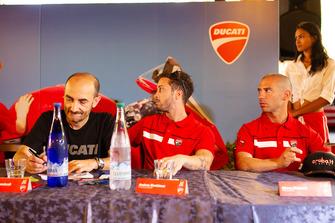 Claudio Domenicali, AD Ducati, Andrea Dovizioso e Marco Melandri, durante la conferenza stampa