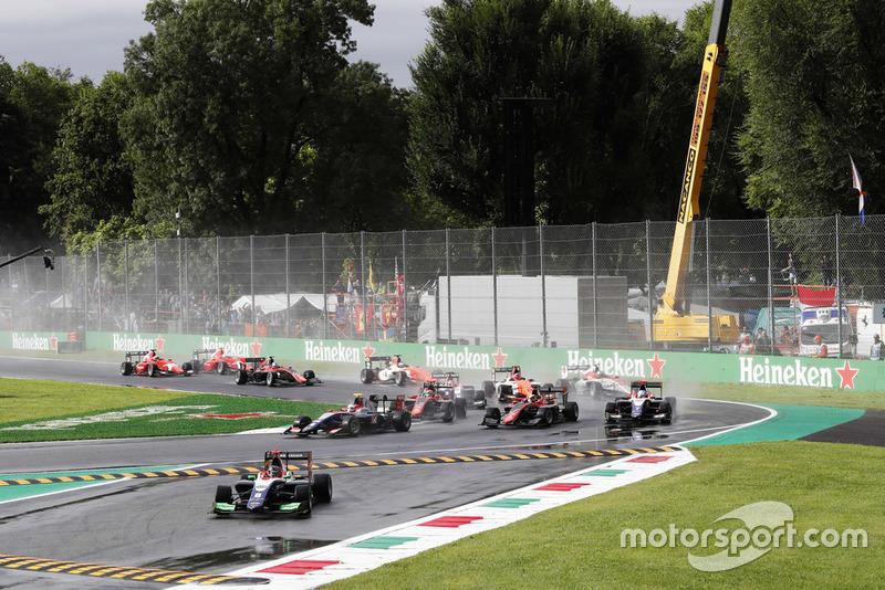 Départ chaotique à Monza, avec Beckmann en tête !