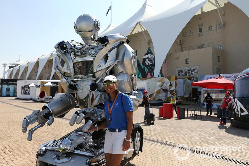 Уболівальник і робот