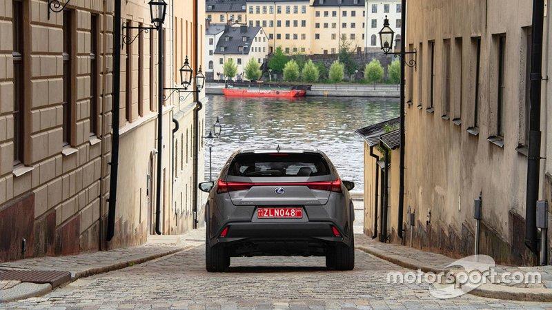 Lexus UX 2019 року