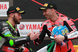 Podium : le vainqueur Marco Melandri, Aruba.it Racing-Ducati SBK Team, le deuxième, Tom Sykes, Kawasaki Racing