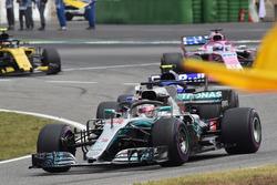 Le vainqueur Lewis Hamilton, Mercedes-AMG F1