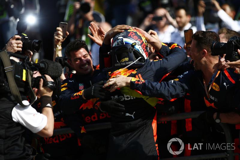 Le vainqueur Daniel Ricciardo, Red Bull Racing