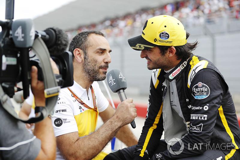 Cyril Abiteboul, Renault Sport F1 Team, y Carlos Sainz Jr., Renault Sport F1 Team