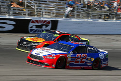 Joey Logano, Team Penske Ford, Martin Truex Jr., Furniture Row Racing Toyota