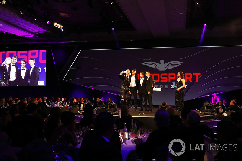 David Coulthard se hace un selfie con George Russell, Lando Norris y Charles Leclerc