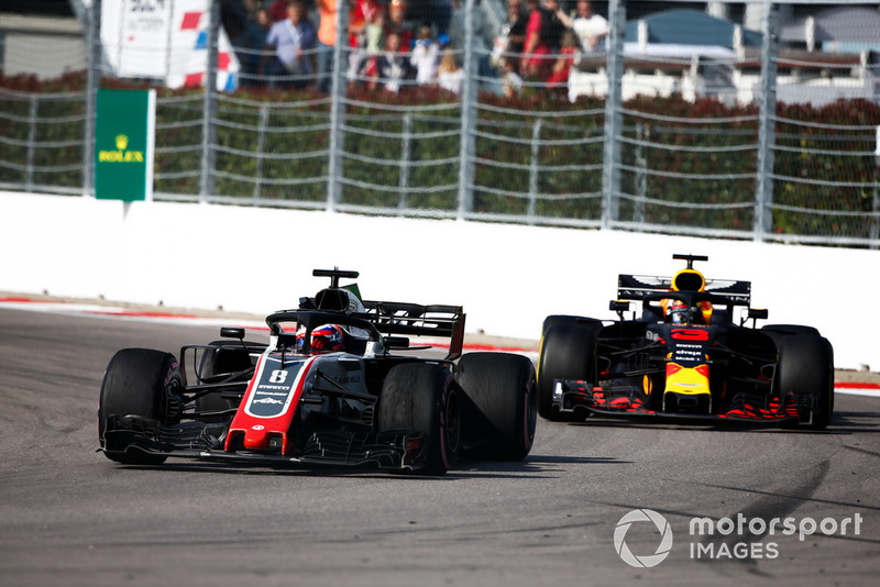 Romain Grosjean, Haas F1 Team VF-18, Daniel Ricciardo, Red Bull Racing RB14