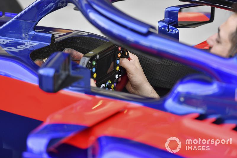 Scuderia Toro Rosso STR13 steering wheel