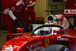Себастьян Феттель, Ferrari SF16-H, с установленной системой Halo
