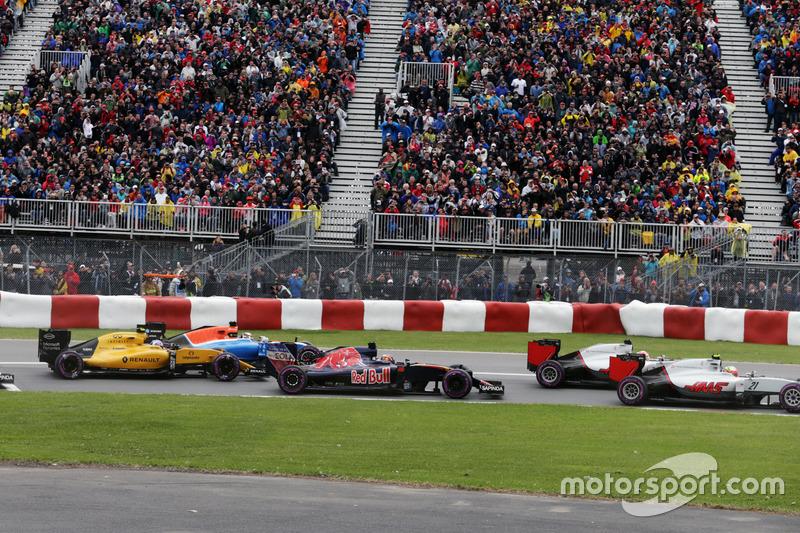 Данііл Квят, Scuderia Toro Rosso STR11 на старті гонки