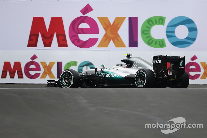 2. Nico Rosberg, Mercedes AMG F1 W07 Hybrid