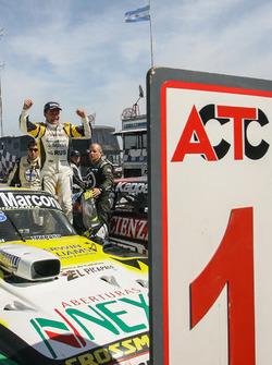Переможець гонки - Омар Мартінес, Martinez Competicion Ford