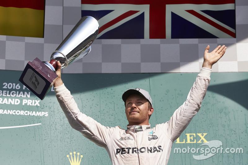 Podyum: 1. Nico Rosberg, Mercedes AMG F1