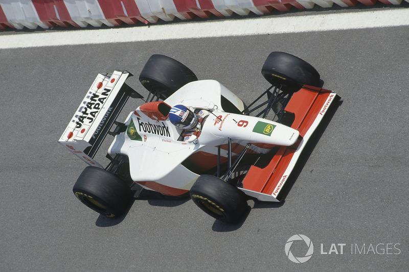 "<img src=""https://cdn-7.motorsport.com/static/img/cfp/0/0/0/200/227/s3/united_kingdom-2.jpg"" alt="""" width=""20"" height=""12"" />Footwork (1992-93): лучший результат – 4-е место"