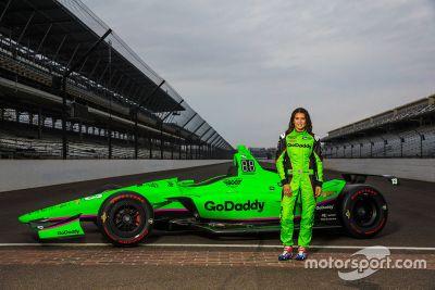 Danica Patricks Lackierung beim Indy 500