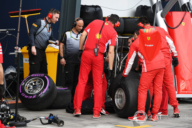 Ferrari Engineers with Pirelli Engineers and Pirelli tyres
