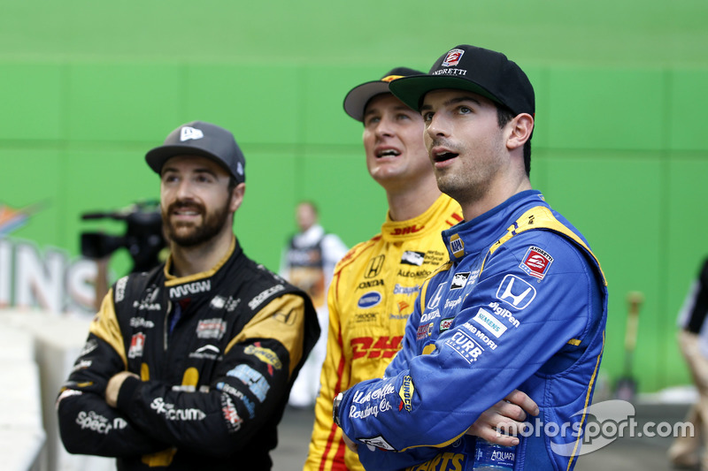 Alexander Rossi with Ryan Hunter-Reay y James Hinchcliffe
