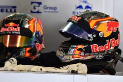 Шлемы Карлоса Сайнса-мл., Scuderia Toro Rosso