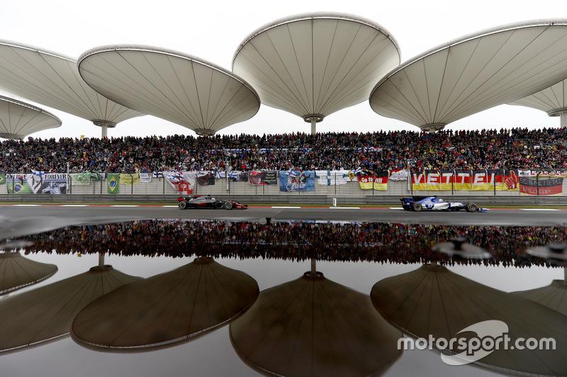 Marcus Ericsson, Sauber C36, leads Kimi Raikkonen, Ferrari SF70H