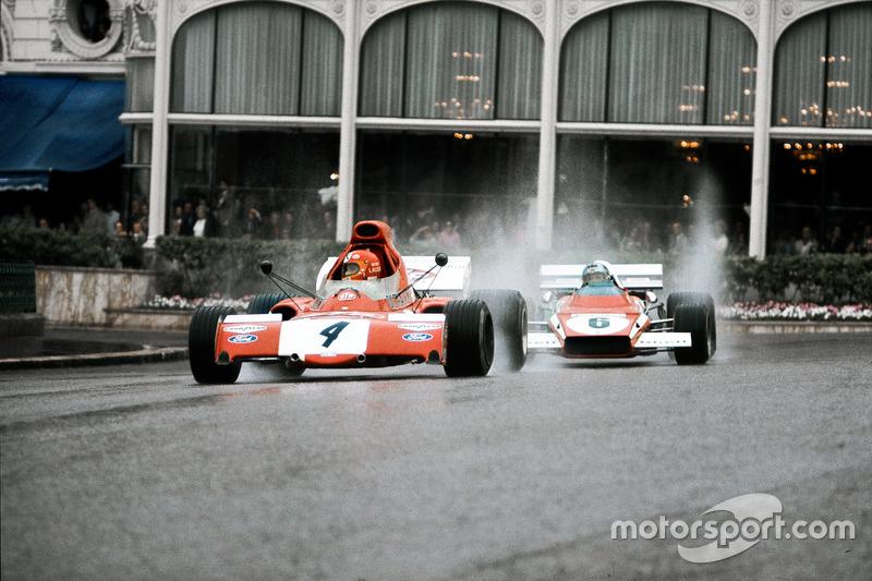 Нікі Лауда, March 721X Ford, дивиться в дзеркало на Жакі Ікса, Ferrari 312B2