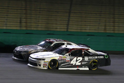 Tyler Reddick, Chip Ganassi Racing Chevrolet, Kyle Benjamin, Joe Gibbs Racing Toyota