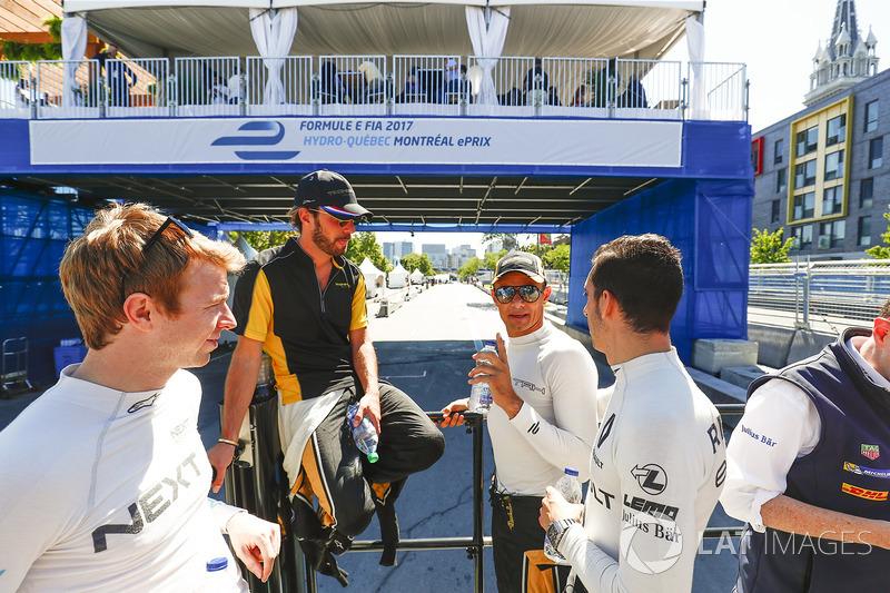 Oliver Turvey, NEXTEV TCR Formula E Team, Jean-Eric Vergne, Techeetah, Stéphane Sarrazin, Techeetah, ySébastien Buemi, Renault e.Dams, en el desfile de pilotos