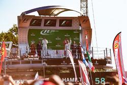 Podium : le vainqueur Lewis Hamilton, Mercedes AMG F1, le deuxième, Valtteri Bottas, Mercedes AMG F1, le troisième, Sebastian Vettel, Ferrari