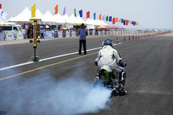 JK Tyre Vroom action