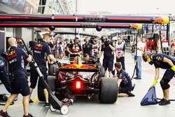 Max Verstappen, Red Bull Racing RB13, in the pits