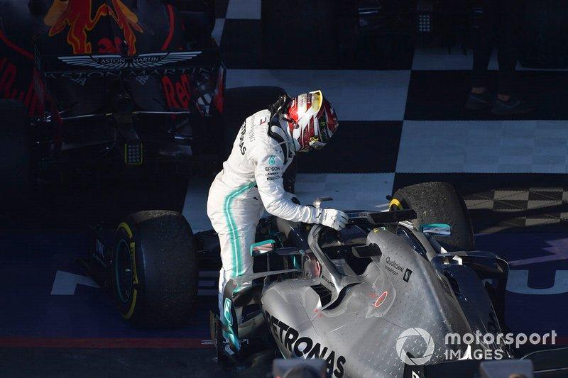 Lewis Hamilton, Mercedes AMG F1, secondo, arriva al Parco Chiuso