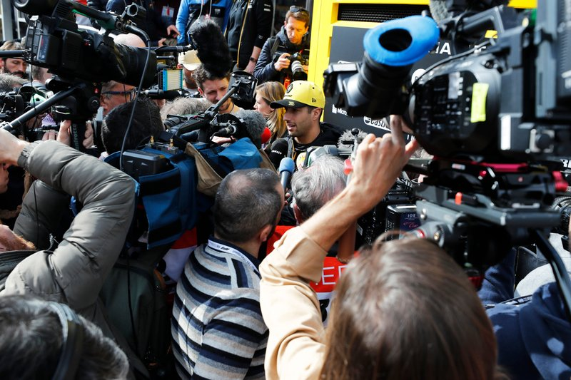 Daniel Ricciardo, Renault F1 Team entre los medios de comunicación