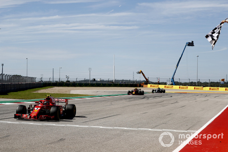 Kimi Raikkonen, Ferrari SF71H, Max Verstappen, Red Bull Racing RB14, Lewis Hamilton, Mercedes AMG F1 W09 EQ Power+
