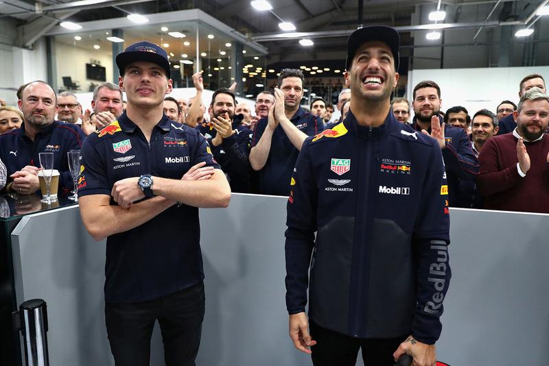 Daniel Ricciardo, Red Bull Racing, y Max Verstappen, Red Bull Racing
