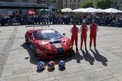 №65 Scuderia Corsa Ferrari 488 GTE: Кристина Нильсен, Алессандро Бальцан, Брет Кёртис