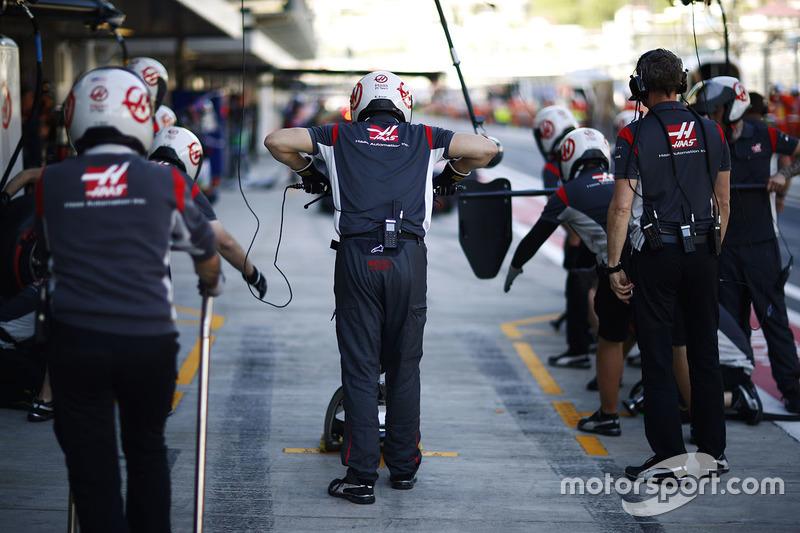 Команда механіків Haas F1 Team