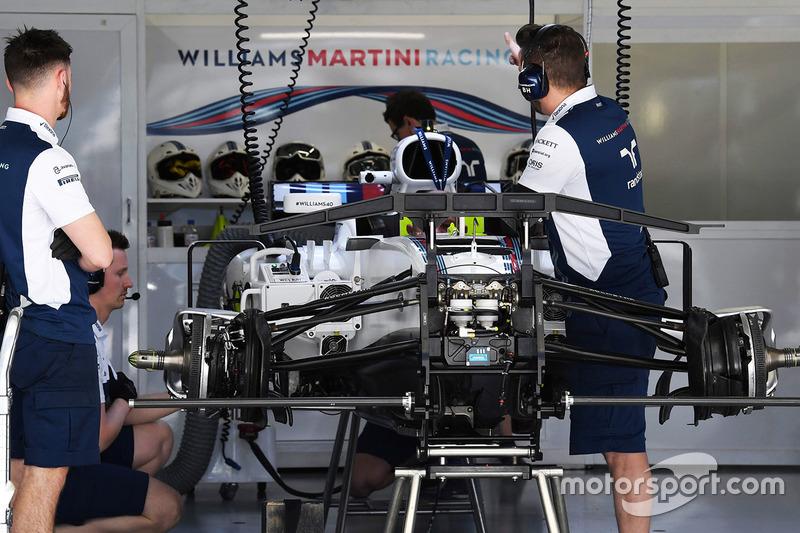 Williams FW40 detalle chasis y frenos delanteros