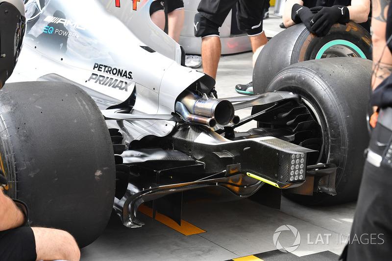 Задня частина Mercedes-Benz F1 W08 Hybrid