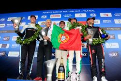 Подиум: второе место – Тед Бьорк, Polestar Cyan Racing, победитель Норберт Михелиц, Honda Racing Team JAS, третье место – Тьягу Монтейру, Honda Racing Team JAS; Роб Хафф, All-Inkl Motorsport, руководитель Honda Racing Team JAS Алессандро Марьяни
