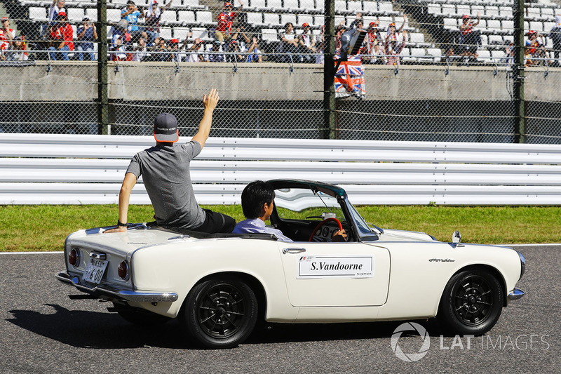 Stoffel Vandoorne, McLaren, in the drivers parade