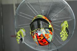 Helm und Handschuhe von Valentino Rossi, Yamaha MotoGP Team