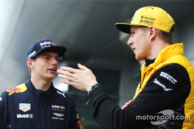 Max Verstappen, Red Bull; Nico Hülkenberg, Renault Sport F1 Team