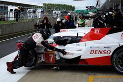 #7 Toyota Gazoo Racing, Toyota TS050 Hybrid: Mike Conway, Kamui Kobayashi, Jose Maria Lopez, nach Crash