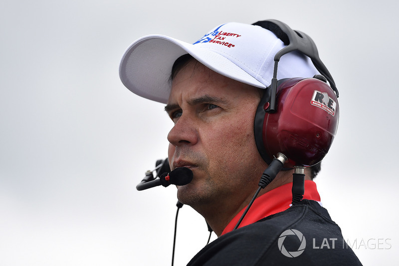 Chris Buescher, JTG Daugherty Racing Chevrolet jefe de equipo Trent Owens