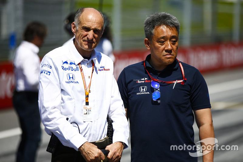 Franz Tost, Team Principal, Toro Rosso, y Masashi Yamamoto, General Manager, Honda Motorsport
