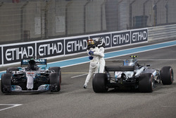 Second place Lewis Hamilton, Mercedes AMG F1, Race winner Valtteri Bottas, Mercedes AMG F1